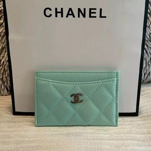 Chanel VIP Beaute gift card holder
